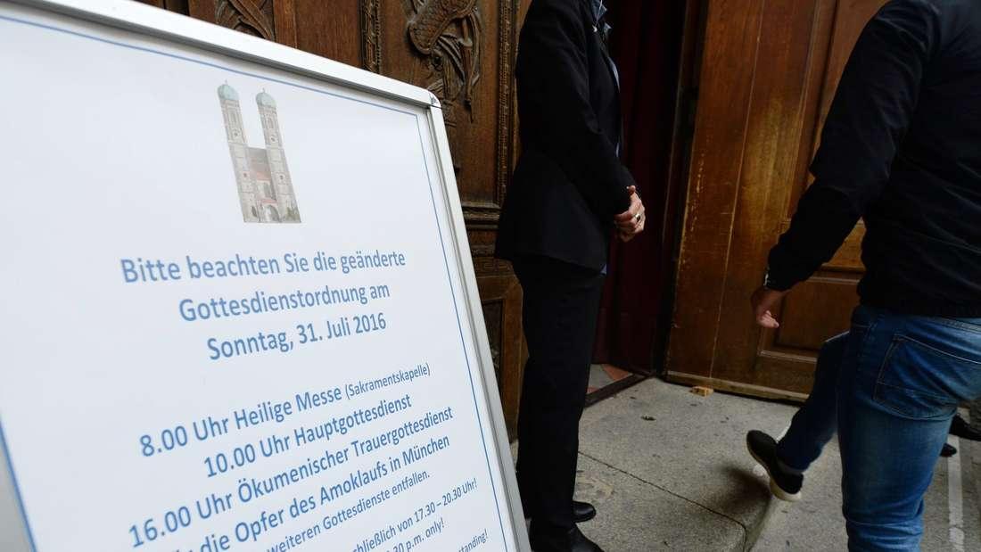 In der Liebfrauenkirche in München wurde der Opfer des Amoklaufes gedacht.