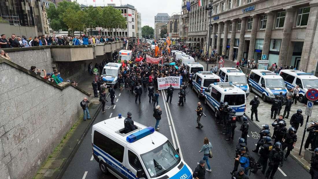Groß-Demo in Köln