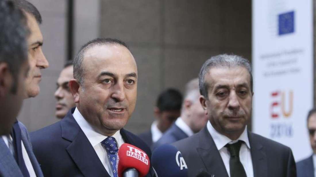 Der türkische Außenminister Mevlüt Cavusoglu machte deutlich: Ohne Visafreiheit platzt der Flüchtlingspakt mit der EU. Foto:Olivier Hoslet/Archiv