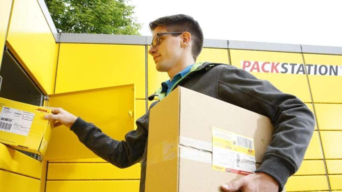 Pakete bequem empfangen: Über die Packstation können DHL-Kunden rund um die Uhr Sendungen abholen, aber auch frankierte Sendungen verschicken. Foto: Deutsche Post DHL Group