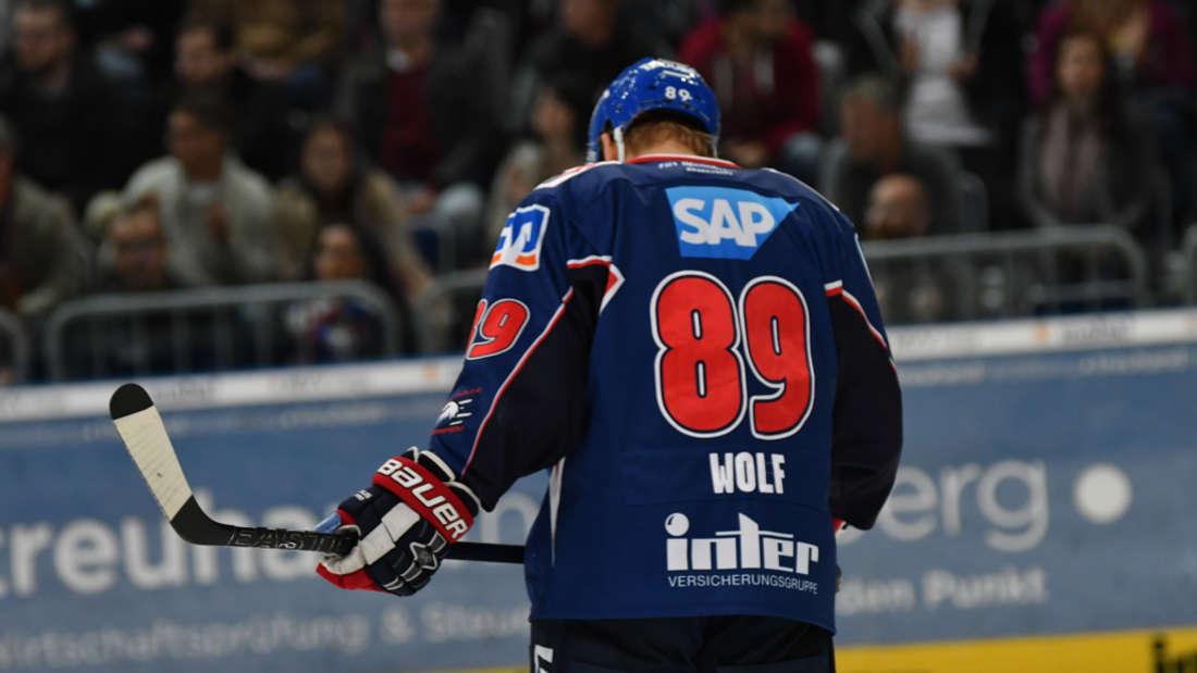 Adler Mannheim gegen EHC Red Bull München.
