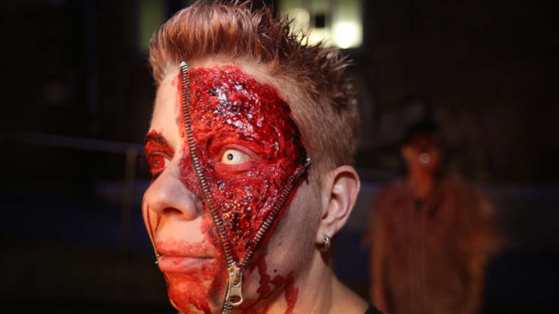 Gruseliger Tanzspaß bei Bloody Warehouse, der wohl größten Halloween-Party der Region im MS Connexion Complex.