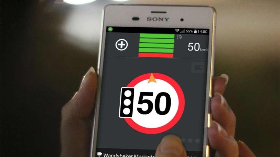 Mit Apps wie blitzer.de kann man sich auf mobile und feste Raserfallen hinweisen lassen. Foto:Eifrig Media GmbH