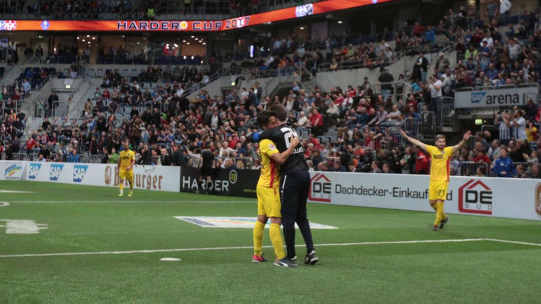 Der Karlsruher SC gewinnt den Harder13 Cup 2017 in der SAP Arena.