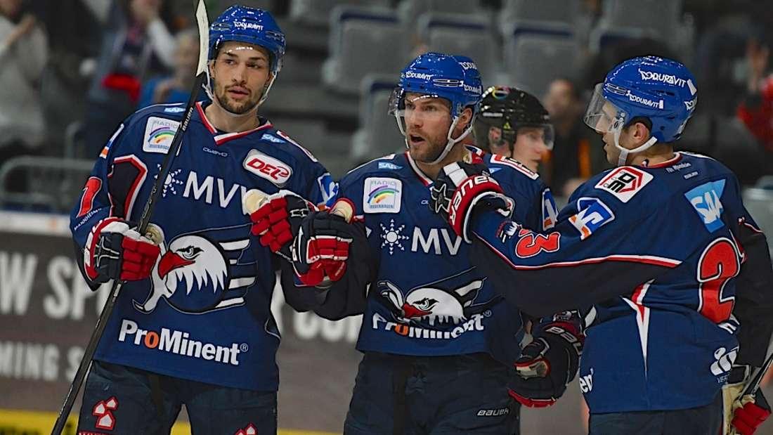 Die Adler Mannheim gewinnen das Heimspiel gegen den ERC Ingolstadt mit 4:2.