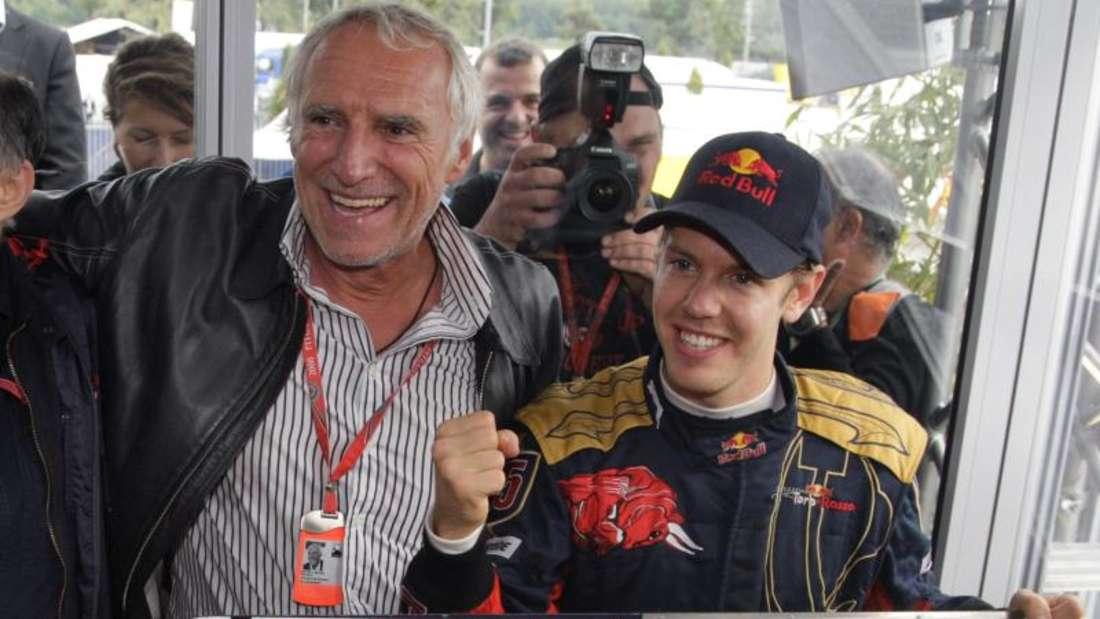 Teambesitzer Dietrich Mateschitz (l) unterstützt in der Formel 1 die Rennställe Red Bull und Toro Rosso. Foto(2008I Robert Ghement Foto: epa Robert Ghement
