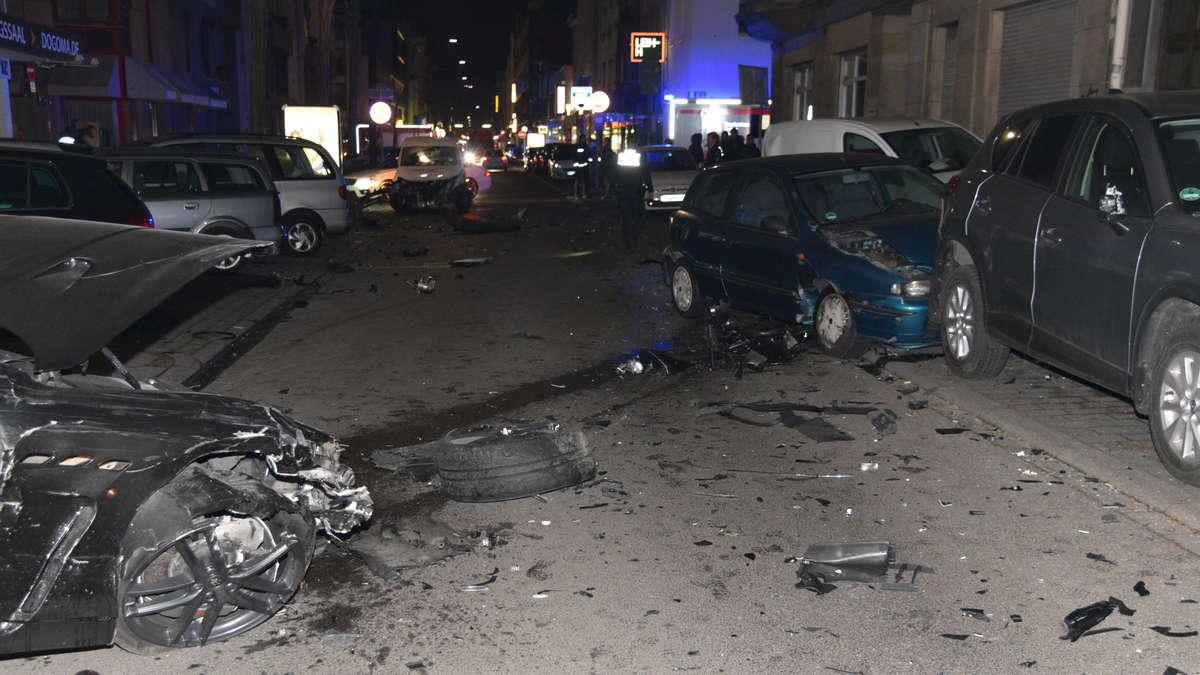 Mannheim-Innenstadt: FOTOS: 22-jähriger Poser verursacht schweren ...