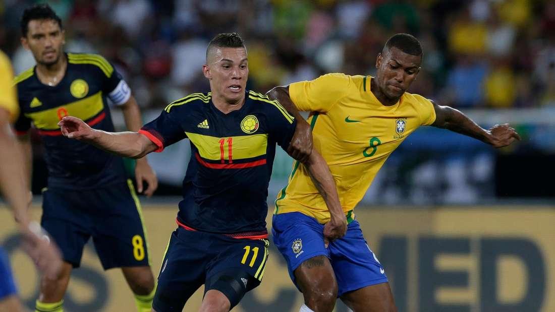 Walace (r.), hier im Einsatz für die brasilianische Nationalmannschaft, wird wohl zum HSV wechseln.