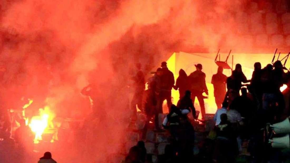 Bei den gewalttätigen Ausschreitungen in Port Said am 1. Februar 2012 starben 74 Menschen. Das Gesicht des Volkssports Fußball änderte sich danach. Foto: Stringer/Archiv