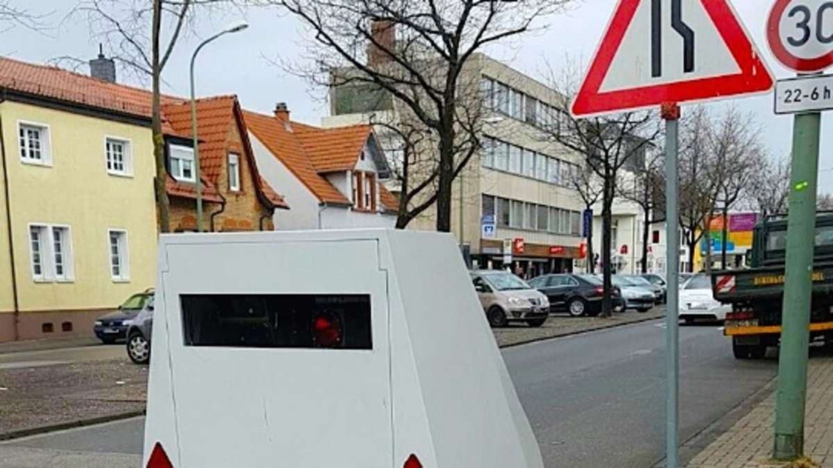 Ludwigshafen-Friesenheim: Als Pkw-Anhänger getarnter Blitzer steht wieder in Sternstraße  Region