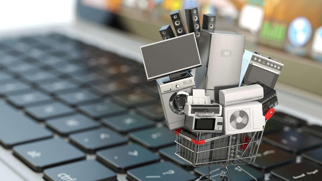 Beim Winterschlussverkauf gibt es viele Schnäppchen - im Laden sowie im Netz.