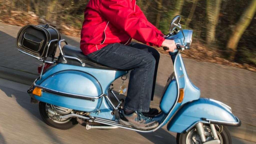 Ludwigshafen Mundenheim Rollerfahrer Entzieht Sich