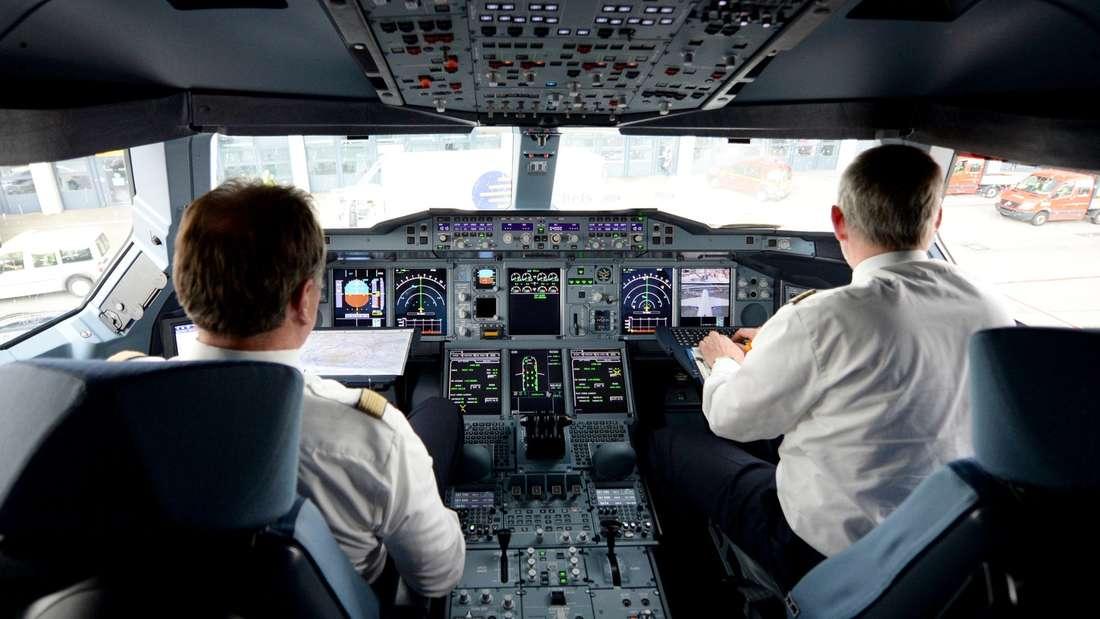 Platz 7: Sie tragen eine große Verantwortung für ihre Passagiere - und werden mit Vertrauen belohnt. Die Piloten sind auf Platz 7.