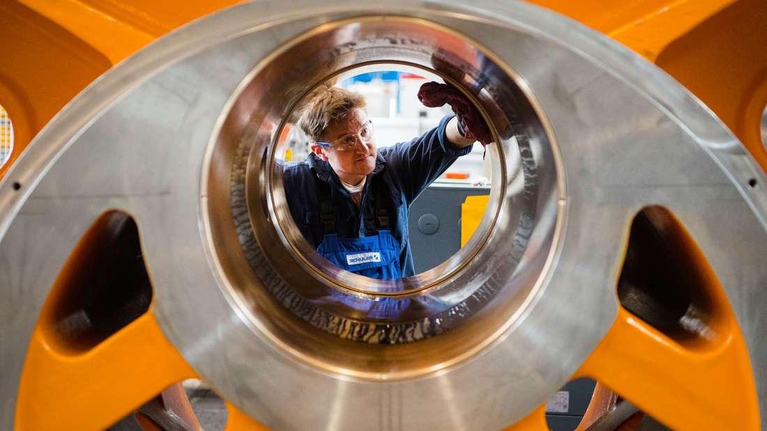 Platz 8: Techniker und Ingenieure sorgen für eine beständige Weiterentwicklung der Industrien und sind ebenfalls gern gesehen.