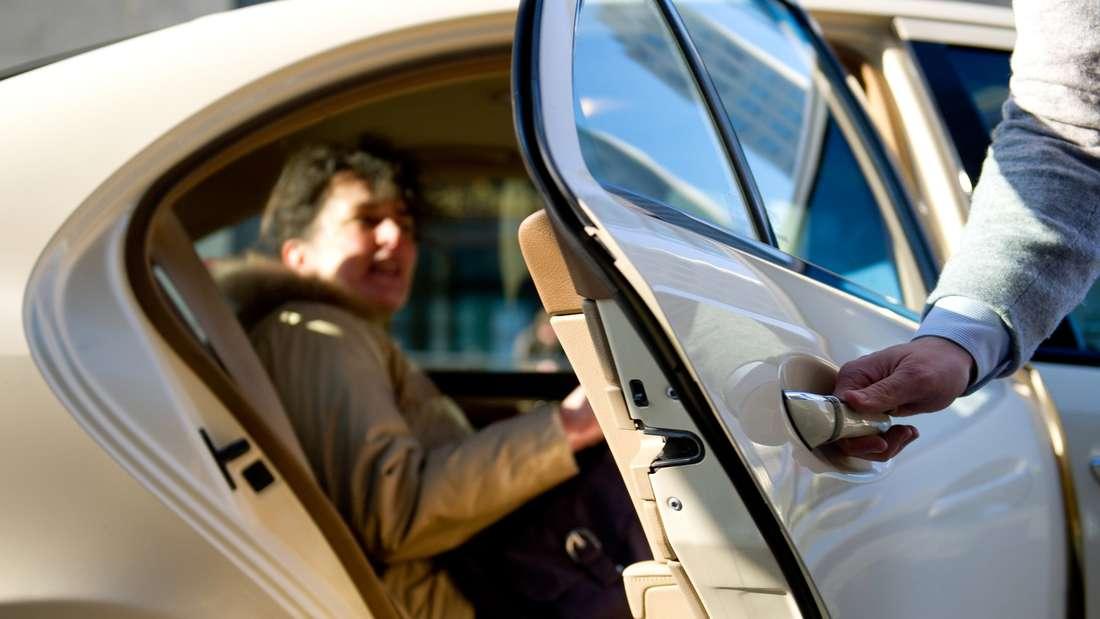 Platz 16: Taxifahrer sind auf Abruf zur Stelle und genießen damit großes Vertrauen unter den Deutschen.