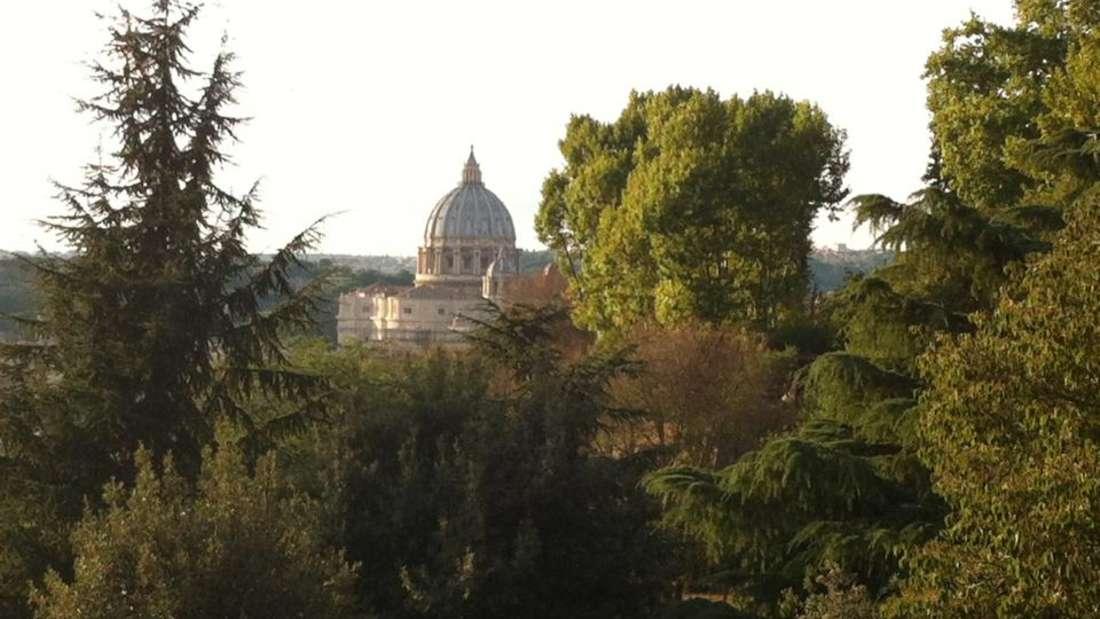 Von dem Hügel Gianicolo hat man einen tollen Blick aufdie Kuppel des Petersdoms.