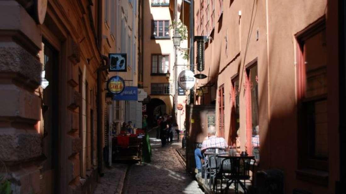 Die Altstadt Stockholms ist geprägt von verwinkelten, charmanten Gassen.