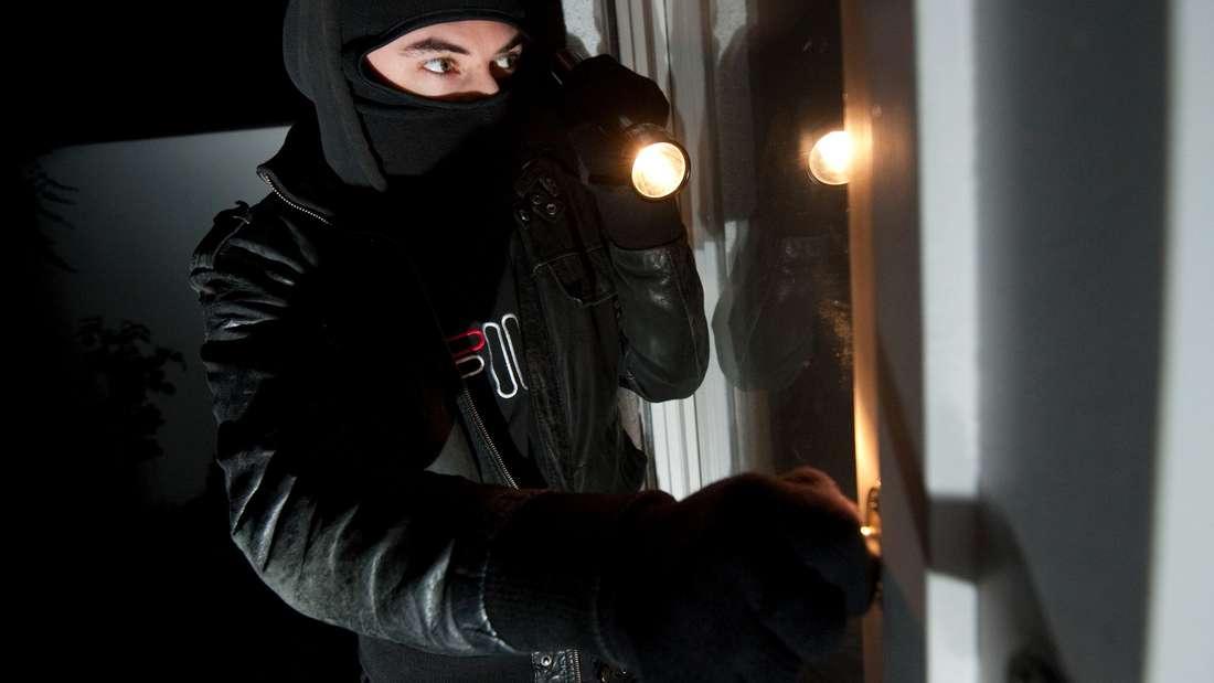 Lassen sich Einbrecher wirklich von einer Alarmanlage abschrecken?