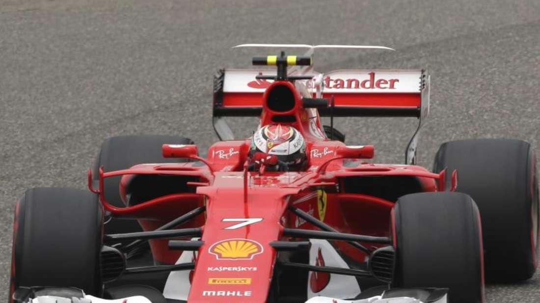 Kimi Räikkönen bekommt Druck vom Ferrari-Boss. Foto: Toru Takahashi