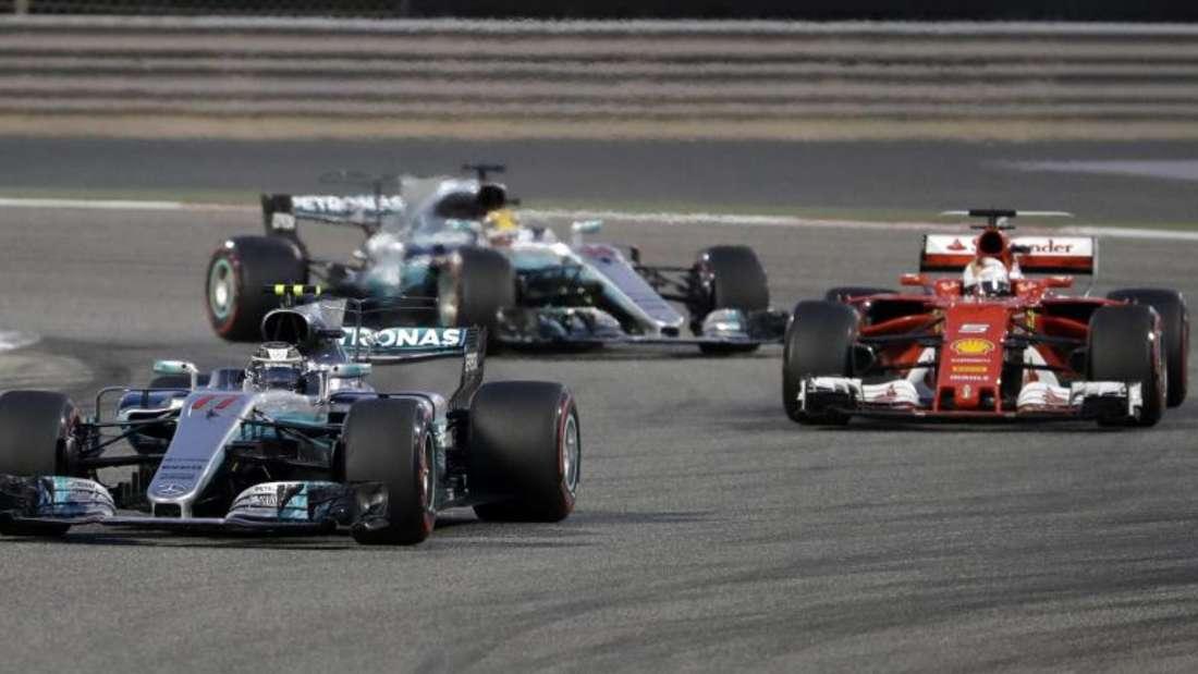 Bottas führte in den ersten Runden vor Vettel und Lewis Hamilton. Foto: Luca Bruno