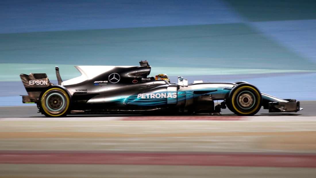 Auch das Weltmeister-Team Mercedes setzt in dieser Saison auf die Heckflosse und den T-Flügel.