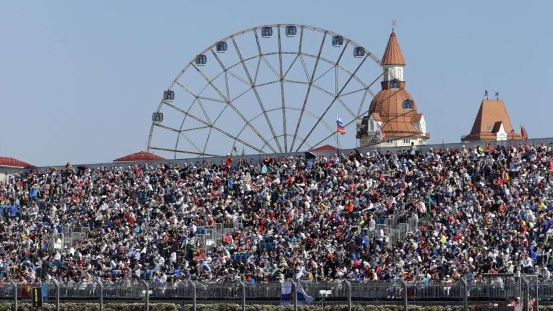 Der britische Mercedes-Pilot Lewis Hamilton verpasste das Podium. Foto: Sergei Grits