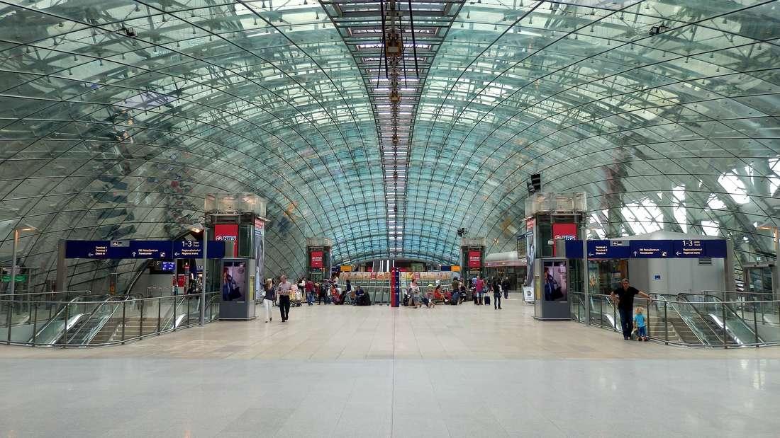 Platz 10: Frankfurt International Airport. Der Frankfurt International Airport ist der größte Flughafen Deutschlands und Heimatflughafen der Lufthansa. Er ergatterte im Ranking den zehnten Platz.
