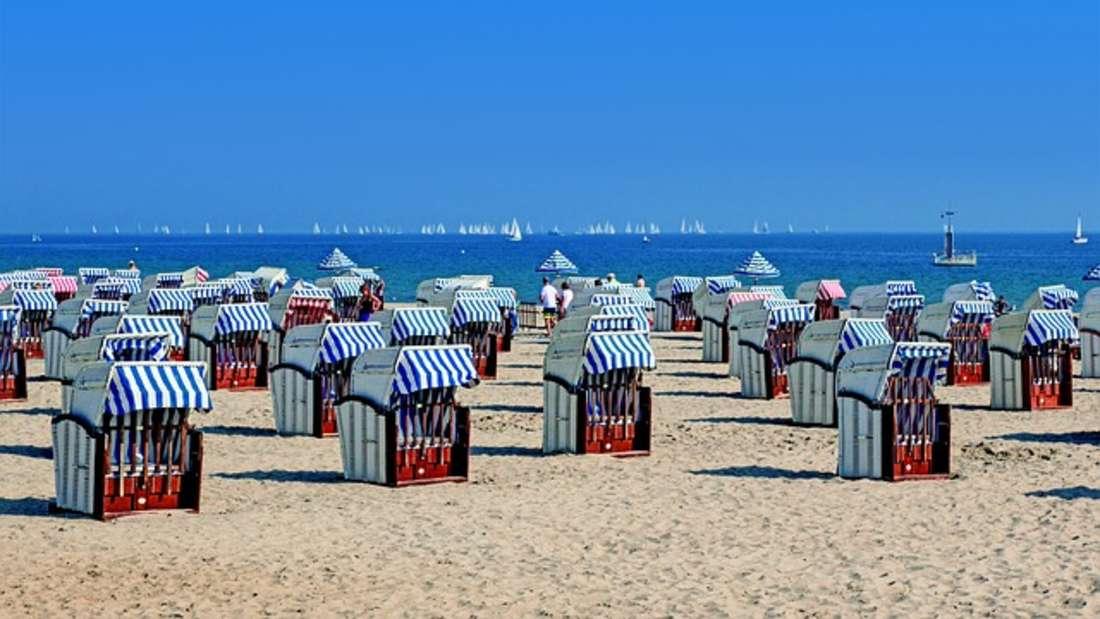 In den Urlaub fahren entspannt - aber nur, wenn er nicht zu sehr ins Geld geht. Nutzen Sie Frühbucherrabatte oder Last-Minute-Angebote statt im Reisebüro zu buchen. Dadurch zahlen Sie bei einer Reise schon mal 200 bis 300 Euro weniger.