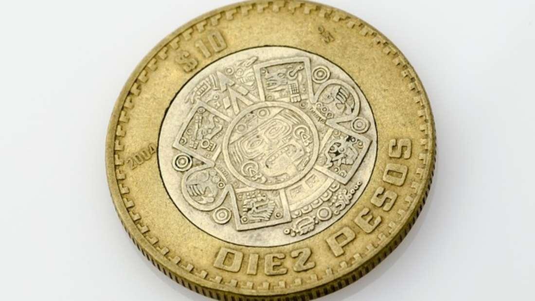 In Mexiko zahlt man mit Peso. Ein Peso wird weiter in 100 Centavos unterteilt. Zurzeit entsprechen 21 Pesos einem Euro.