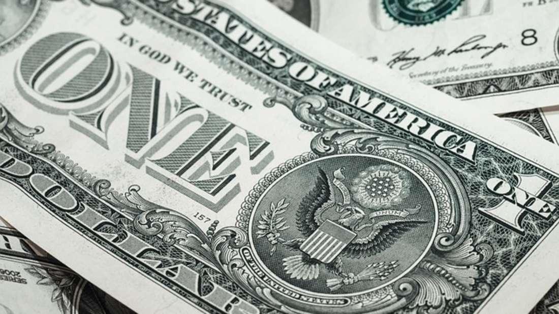 Der US-Dollar zählt noch immer zu einer derwichtigsten und stärksten Währungen der Welt. Er ist die offizielle Währungseinheit der Vereinigten Staaten und wird zudem in Ländern wie Ecuador, Kambodscha oder Simbabwe als gesetzliches Zahlungsmittel geführt.