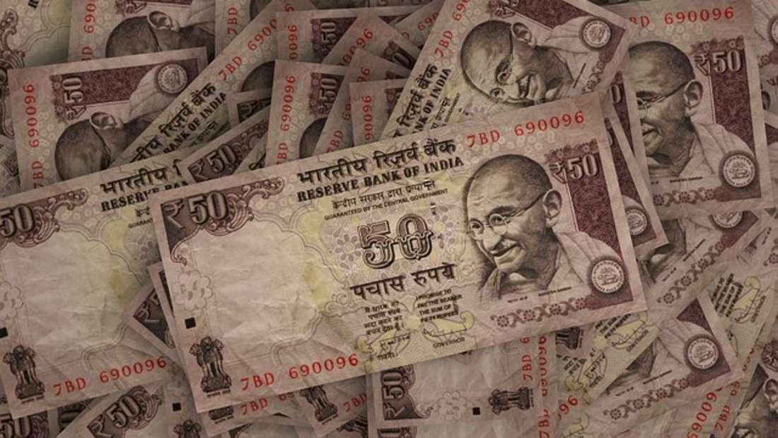 """In Indien bezahlt man generell mit der Rupie und wird zudem auch in den Ländern Nepal, Indonesien, Pakistan und anderen südostasiatischen Ländern verwendet. Ursprünglich leitet sich der Begriff Rupie von dem altindischen Wort rup oder rupa ab und bedeutet """"Silber"""". Die Banknoten zeigen oftmals das Abbild des berühmten Widerstandskämpfers Mahatma Ghandi."""