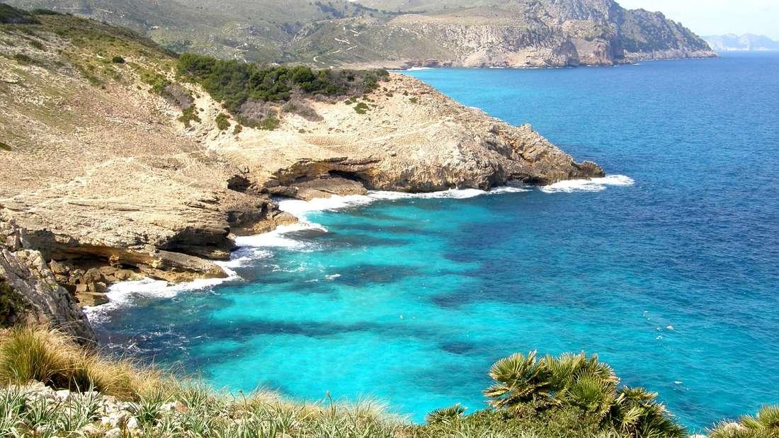 Cala Estreta liegt nordöstlich der Kleinstadt Artà.