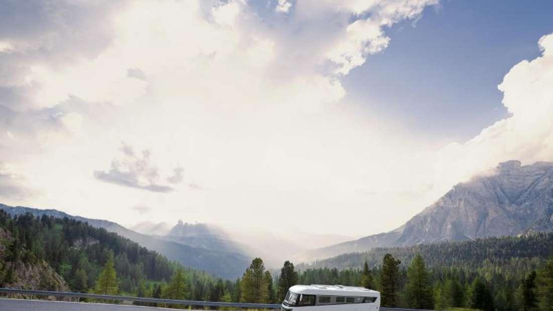 Perfekter Wohnmobil-Ausflug: Bei schönem Wetter und mit dem ADAC-Stellplatzführer sind Camper gut unterwegs. Foto: NIESMANN+BISCHOFF GmbH/ADAC/dpa