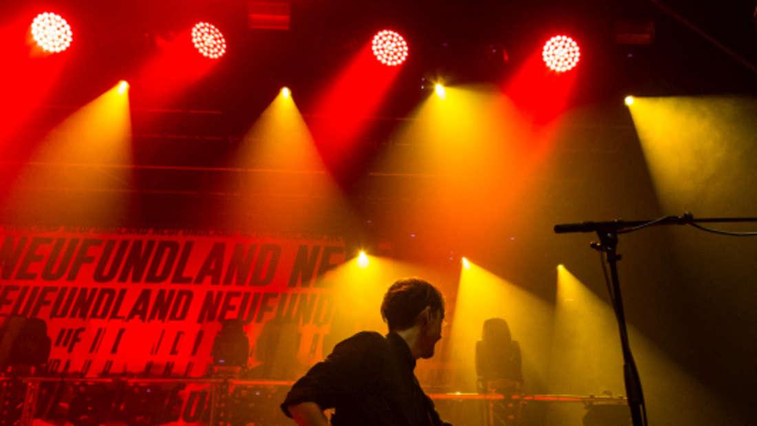 Der Auftritt der österreichischen Band Wanda beim Zeltfestival Rhein-Neckar.