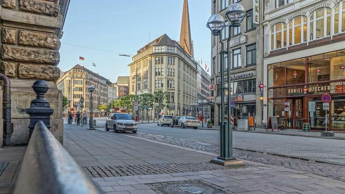 Platz 3: Zum ersten Mal begeben wir uns in den Norden Deutschlands: Hamburg liegt auf Platz 3 der am meisten boomenden Städten und Regionen. Heute leben bereits 1,86 Millionen Menschen (Stand Dezember 2016) in der Hansestadt - bis 2030 sollen nochmal 35.579 dazukommen.