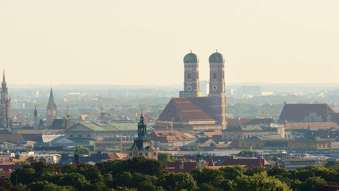 Platz 2: Nach Rosenheim und Fürstenfeldbrück, die durch ihre Nähe zu München vor Attraktivität zu sprühen scheinen, kommt nun der Landkreis München selbst. Bis 2030 wird dieser auf 340.000 Einwohner anwachsen - das sind 40.654 neue Einwohner. Die bayerische Landeshauptstadt hingegen wird dank hoher Mieten sogar etwas an Bevölkerung verlieren.