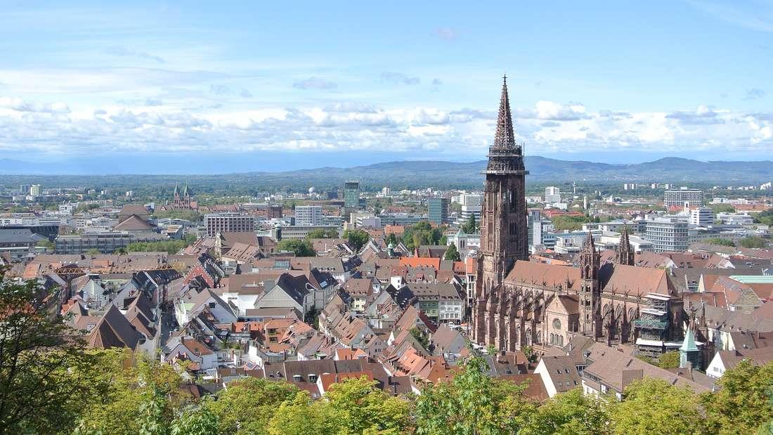 Platz 6: Die beliebte Touristengegend umdie RegionBreisgau-Hochschwarzwald bekommtebenfalls Zuwachs in der Bevölkerung: Hier rechnet das HWWI bis 2013 mit 22.091 neuen Einwohnern - dasmacht insgesamt 257.000 Menschen.