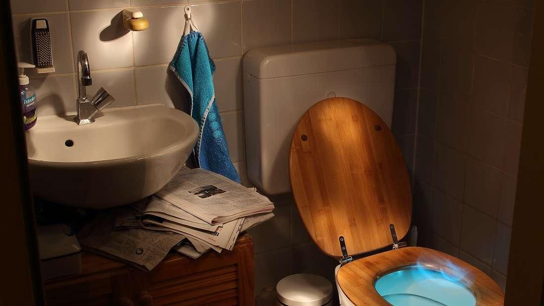 …genauso wenig wie im Spülkasten der Toilette. Diese Verstecke hat man schon in zahlreichen Filmen gesehen und sind deshalb jedermann bekannt.