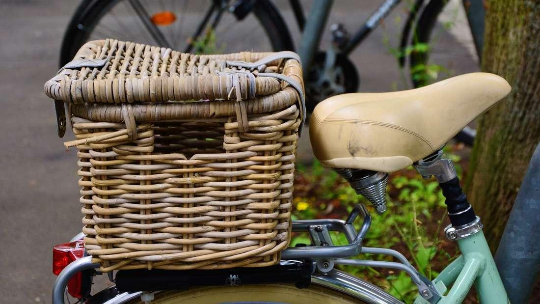 Beim nächsten Picknick sollen Sie sich vielleicht lieber Kühlboxen wählenals einen Korb oder Plastiktüten mitzunehmen. Die britische Food Standards Agency lässt verlauten, dass das Risiko krank zu werden, bei der Nutzung dieser Gegenstände um ein Drittel höher ist.