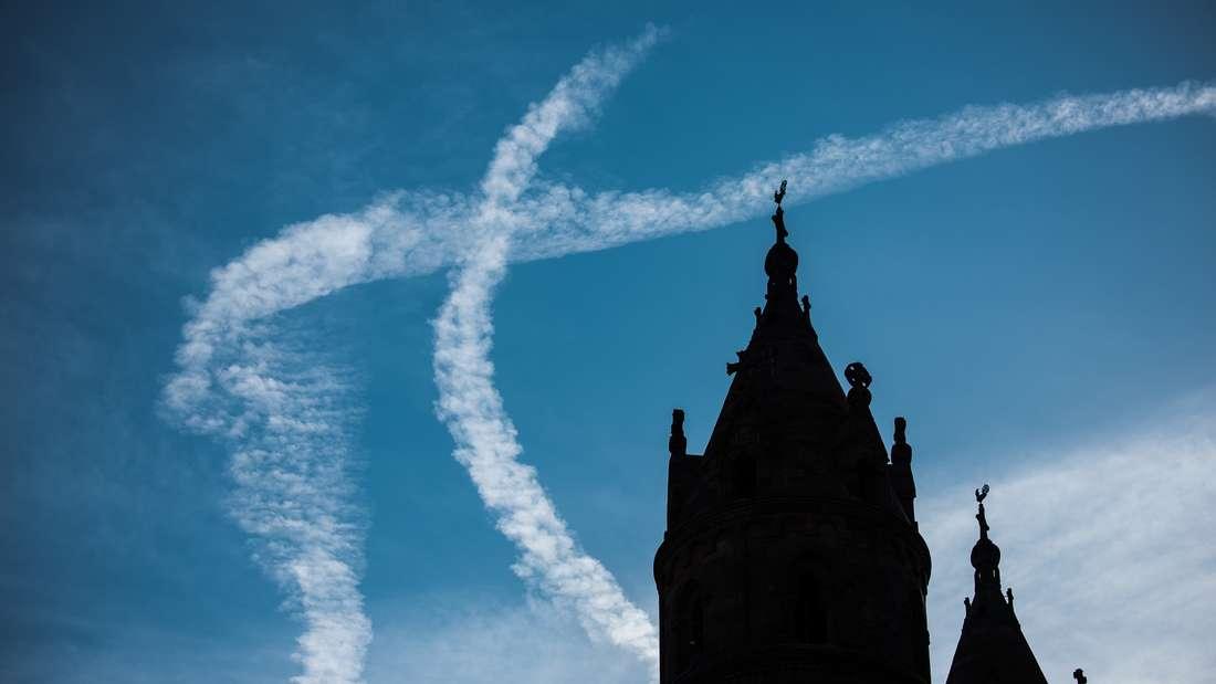Kondensstreifen von Flugzeugen - was bedeuten sie eigentlich genau?