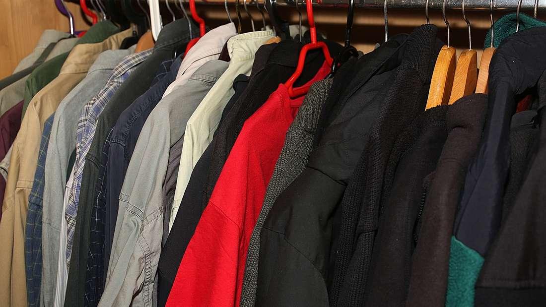 Auch im Kleiderschrank können die kleinen Tütchen von großem Nutzen sein.