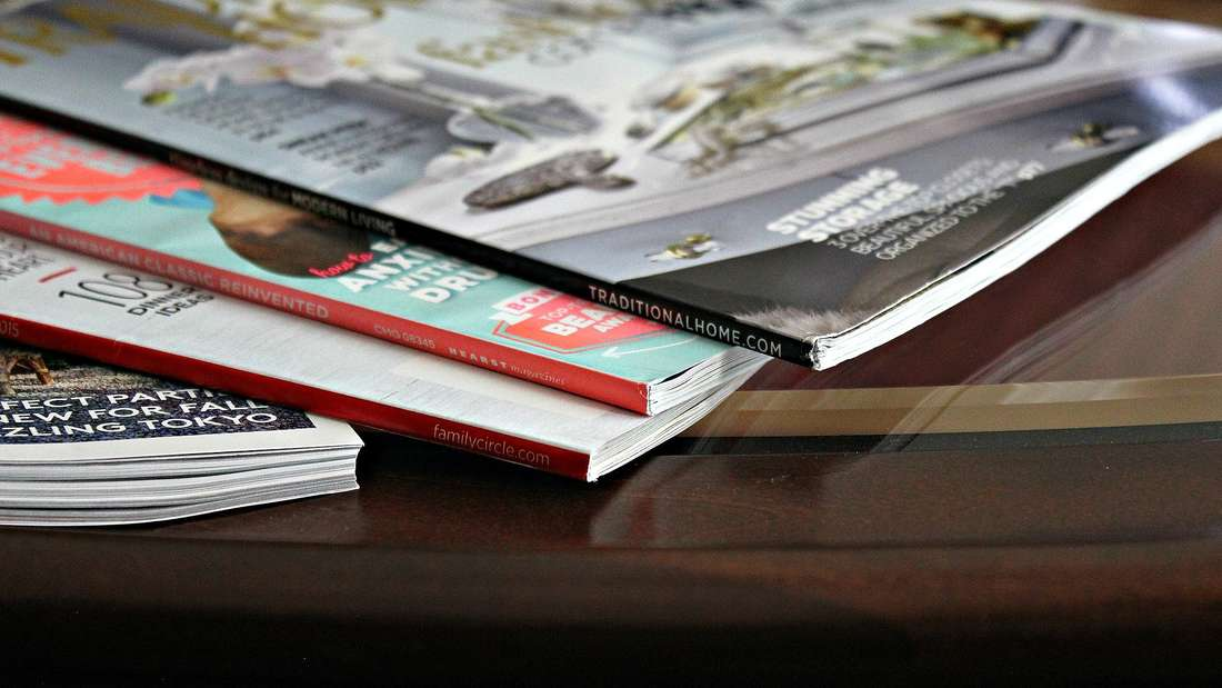 Zeitschriftensammeln ist auch ein Hobby, welchem viele nachgehen. Doch die alten Magazine schaut eigentlich niemand mehr an - also raus damit.