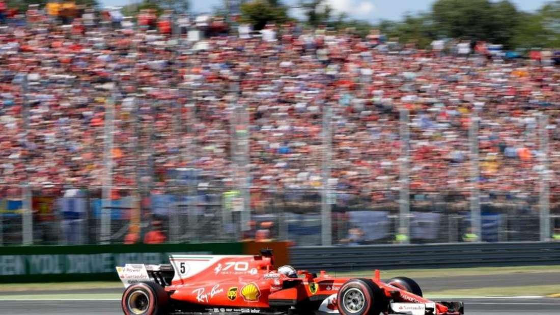 Sebastian Vettel musste sich in Monza beim Heimspiel von Ferrari mit Platz drei begnügen. Foto: Antonio Calanni