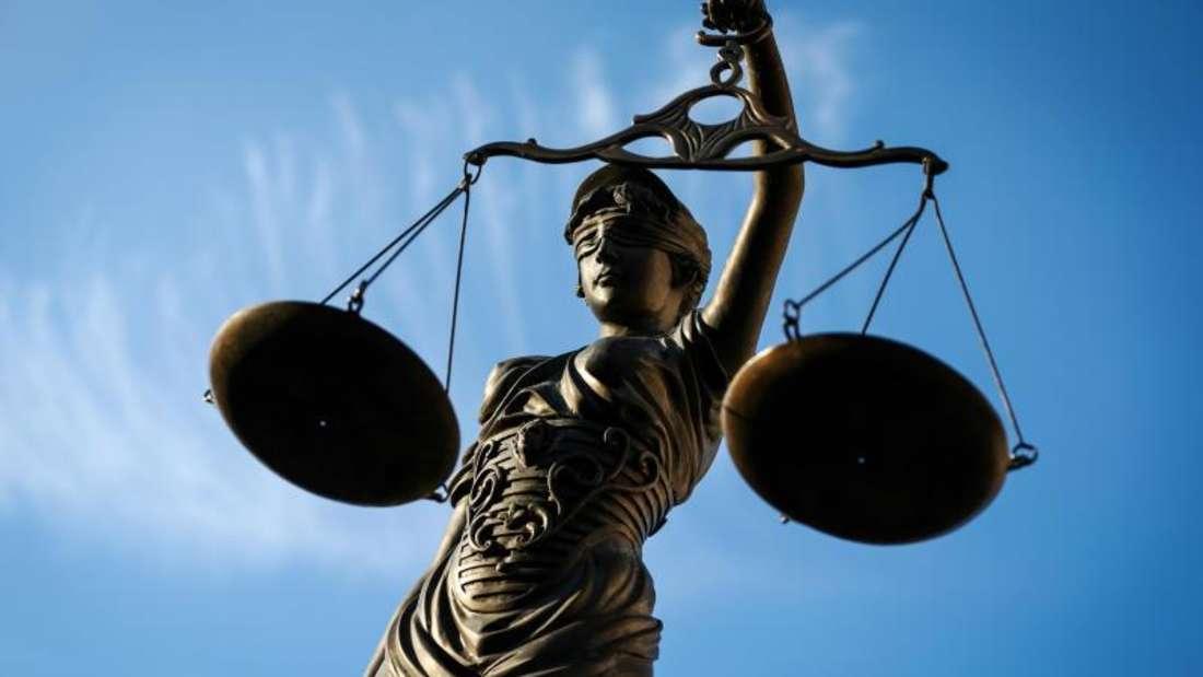 Platz 9:Justiziare sichern sich knapp einen Platz darüber - ihr Jahresgehalt beträgt 68.959 Euro.