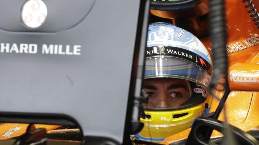 Fernando Alonso lässt seine Zukunft offen. Foto: Antonio Calanni