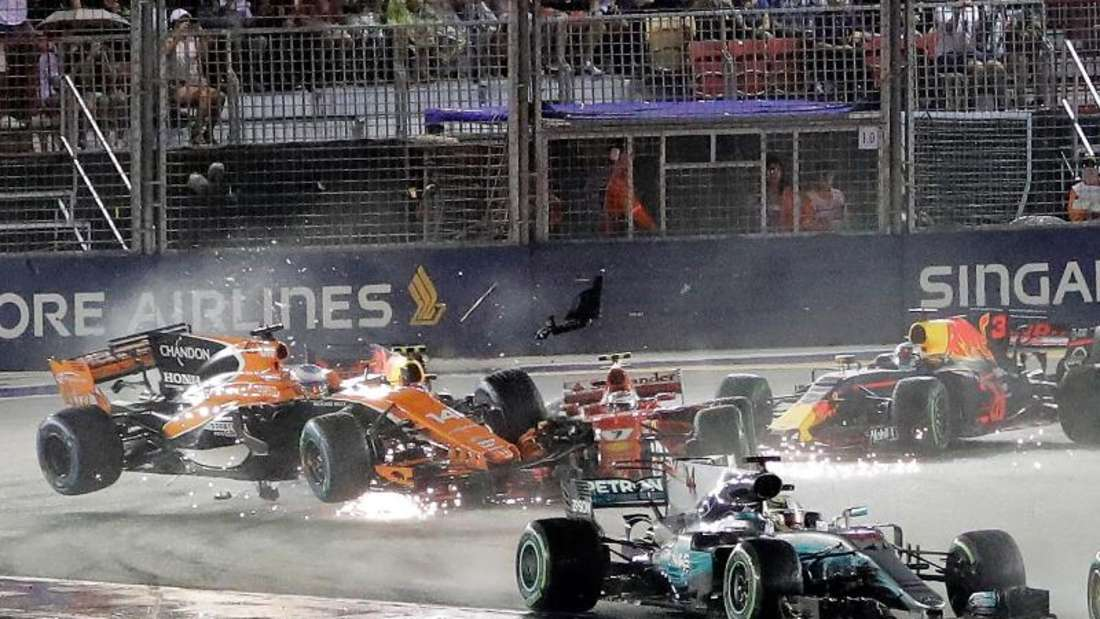 Durch den Unfall kurz nach dem Start kamen beide Ferrari in Singapur nicht ins Ziel. Foto: Wong Maye-E