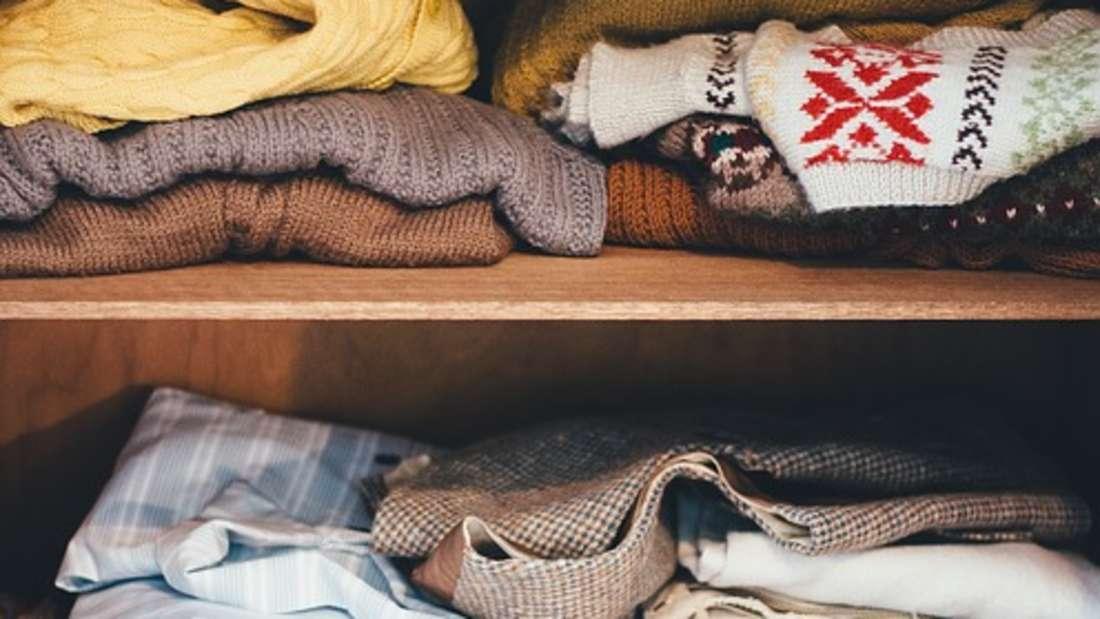 Wenn ein Kleiderschrank erstmal müffelt, sind bald alle Ihre Klamotten davon betroffen.
