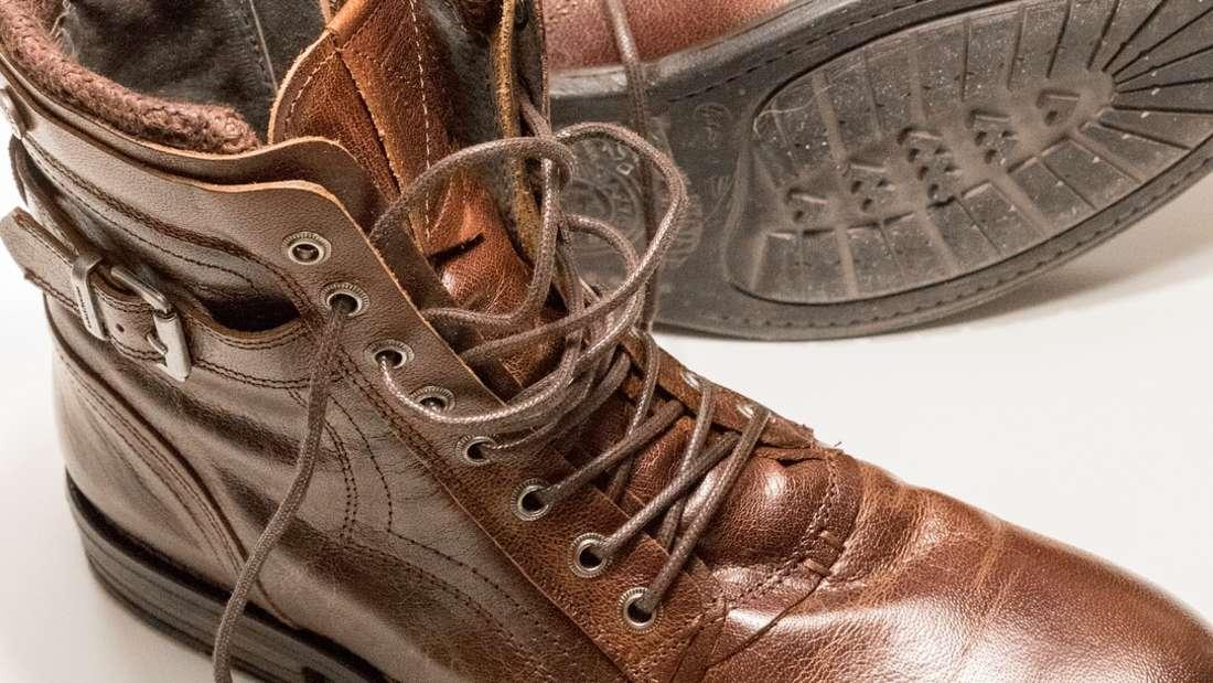 Die richtige Pflege lässt die Stiefel nicht nur glänzen, sonder macht sie auch länger haltbar.