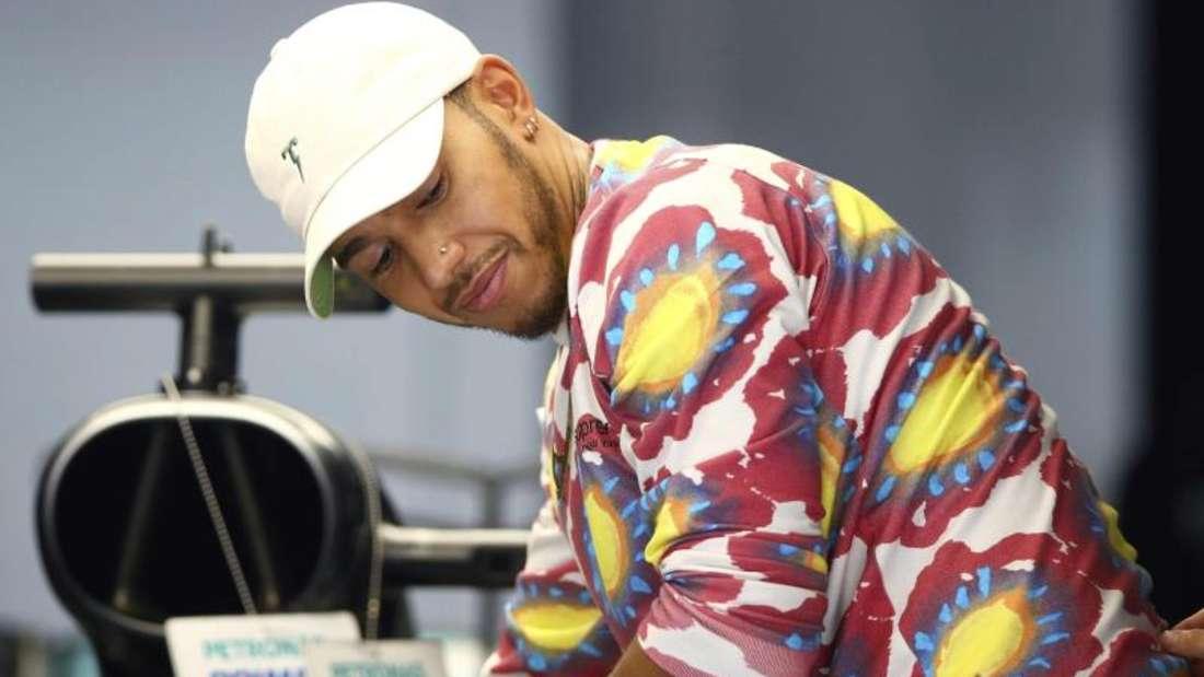 Mercedes-Pilot Lewis Hamilton will auch in Sepang siegen. Foto: Vincent Phoon