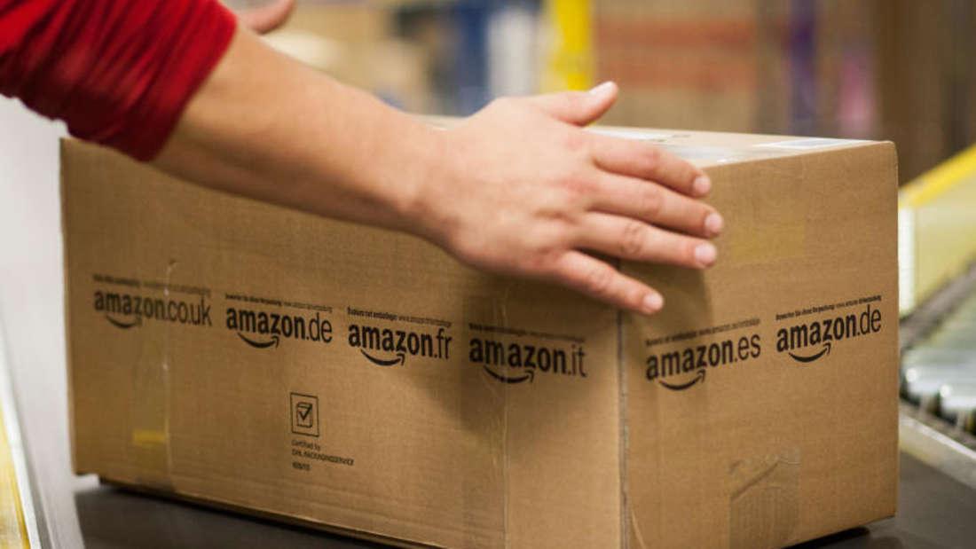Anscheinend arbeitet Amazon an einem Türöffner, mit dem Paketboten die Lieferung direkt im Haus ablegen können.